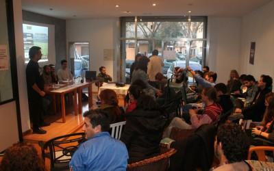 L'Ateneu Lo Tort s'omple per escoltar el debat sobre megaparcs solars